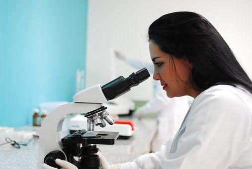 Qué es Laboratorio Clínico y Biomédico