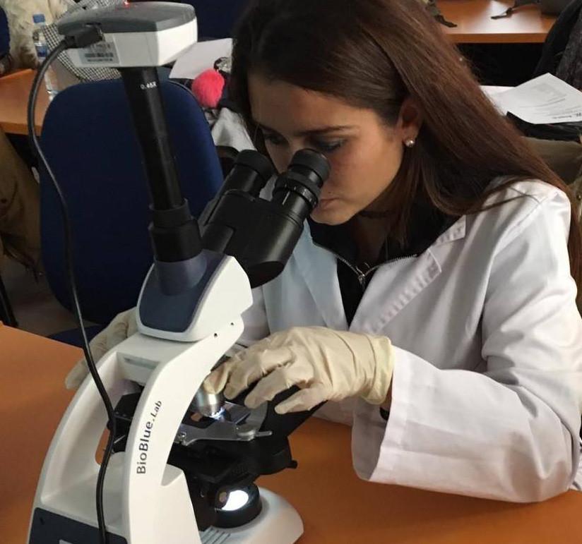Técnico en laboratorio de diagnóstico clínico